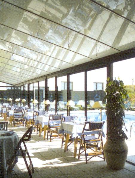 panel_aluminio_autoportante_cubierta_terraza_hotel_2